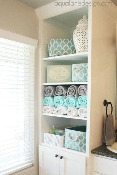 ways  decorate  small bathroom shutterfly