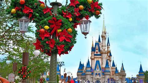 christmas decorations disneyland