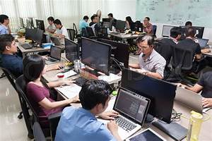 Asian Software Developers Business People Sitting Desk ...