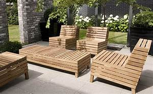 Modern patio furniture with chic treatment for fancy house for Wooden pallet patio furniture