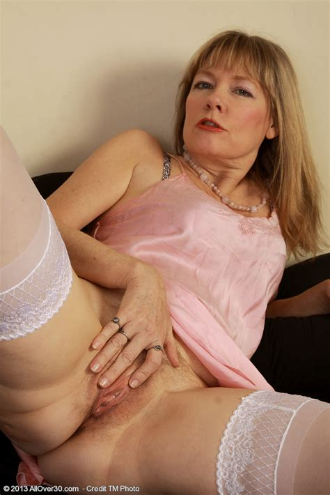 sophisticated blondie lilli show off her whammies moms archive