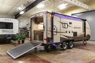 5th Wheel Campers With Bunk Beds by New 2017 19rr Limited Lite Lightweight Toy Hauler Travel