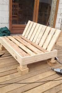 Fabriquer Un Fauteuil En Palette atelier bricolage fabriquer un fauteuil avec une palette