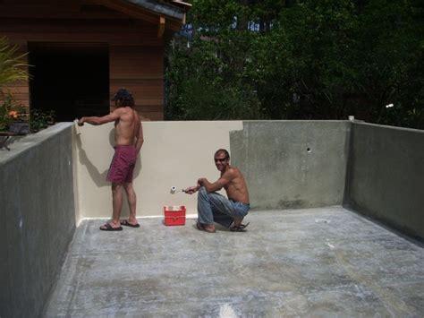 Construire Sa Piscine A Debordement 2123 by Construction Piscine Etape 4 Gelcoat De Finition