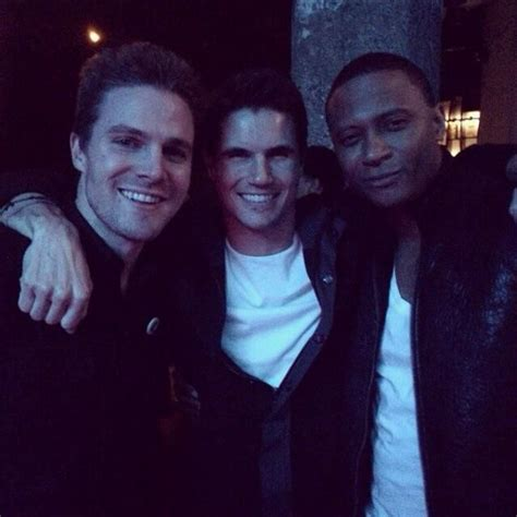 emily bett rickards and robbie amell robbie amell and emily bett rickards www pixshark