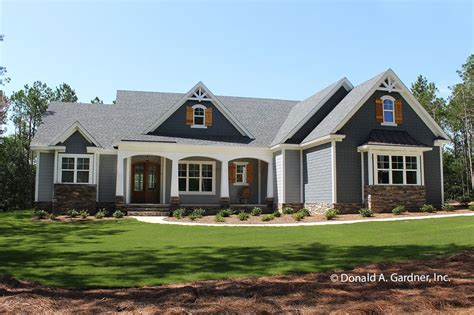 Craftsman Style House Plan 4 Beds 3 Baths 2239 Sq/Ft