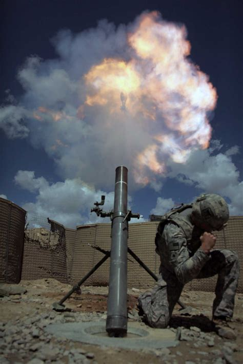 us army combat engineer army 39 s benét laboratories develops 120mm mortar test