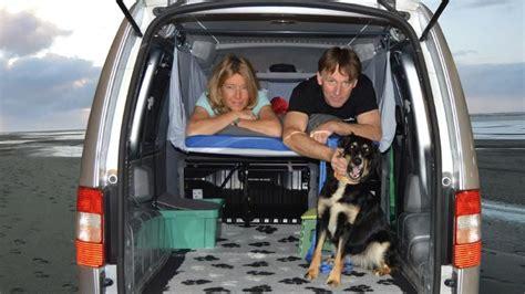 auto schlafen umbau schlafen im auto so wird der pkw zum mini wohnmobil
