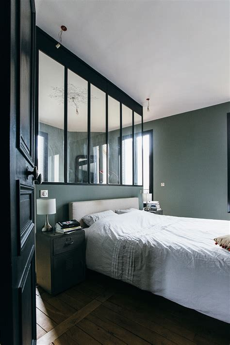 chambre a coucher moderne avec dressing verrière d 39 atelier dans une chambre pour une ambiance