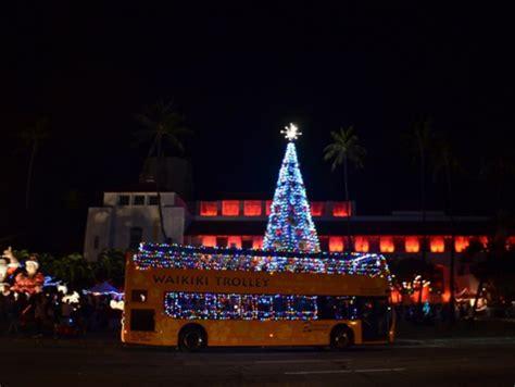 honolulu christmas city lights on trolley or double decker