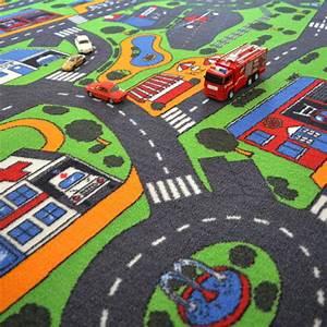 Tapis circuit voiture ville 145x200 cm for Tapis chambre enfant avec canapé année 60
