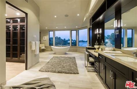 million newly built contemporary mansion  los