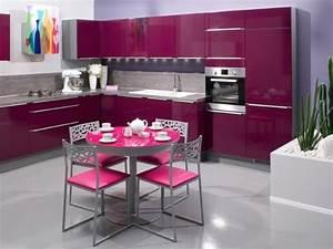 Cuisine girly de couleur aubergine deco pinterest for Deco cuisine avec chaise couleur