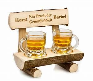 Geschenkidee Für Männer : holzbank mit bierkr gen pers nliche geschenkidee f r m nner ~ Buech-reservation.com Haus und Dekorationen