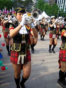 Pictures of Scotland Girls in mini kilts Korean Brass ...