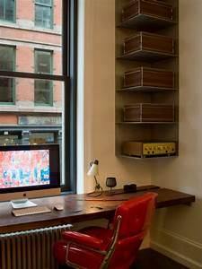 Space saving corner shelves design ideas for Office corner shelf