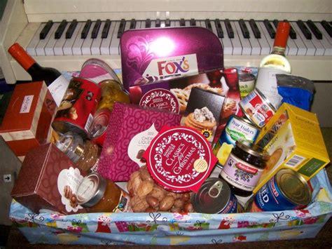 Baskets Anomalous N Some Cl Ic  Ee  Christmas Ee    Ee  Gift Ee   Hamper