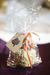 an idea for favorsgtgtcandy apple wedding favors wedding With candy apple wedding favors