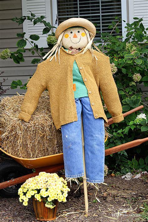 diy scarecrow tutorial house  hawthornes