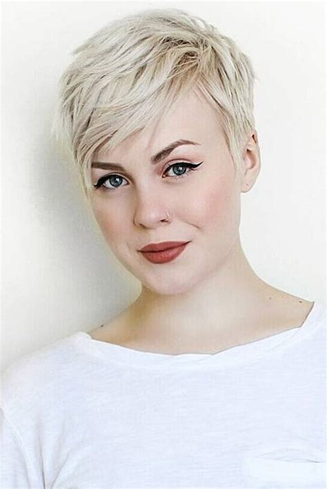 Best 25+ Pixie cuts ideas on Pinterest   Pixie haircuts