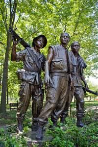 Soldiers Statue Vietnam Memorial