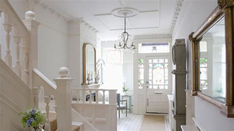 how to decorate a foyer how to decorate your home s entryway realtor com 174