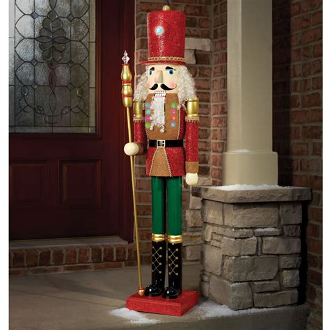 the 5 lighted nutcracker hammacher schlemmer
