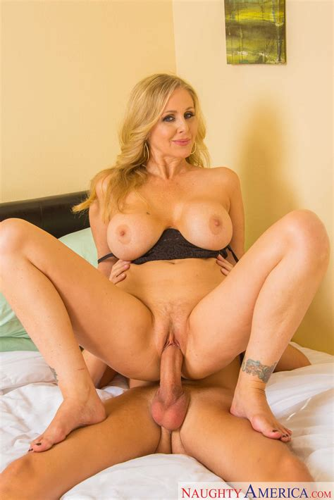 Curvaceous Blonde Milf Got Fucked From Behind Photos