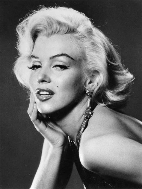 Wallpapers And Latest News From Facebook 3 Marilyn Monroe
