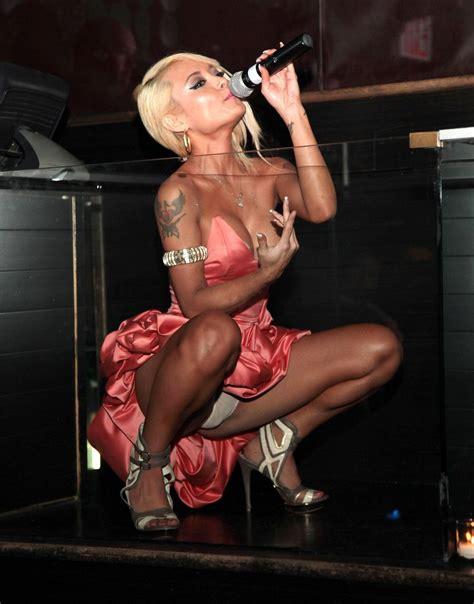 Celebrity Upskirt Photo Gallery Porn Pics Sex Photos XXX GIFs