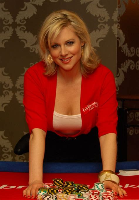 abi titmuss slithered bangs styled  frame  face