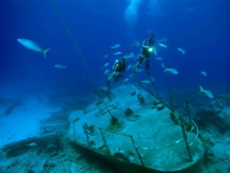Hms Bounty Sinking 2012 by Bermuda Triangle New And Latest Pictures For Real Facts