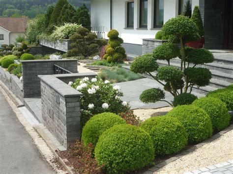 Vorgarten Ideen Pflegeleicht by Der Vorgarten Bl 252 Hend Sch 246 N Und Pflegeleicht