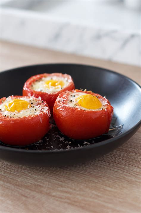 oven baked eggs  tomatoes brunch recipe michiels kitchen