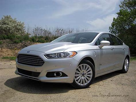 Going The Distance In The 2014 Ford Fusion Energi Se