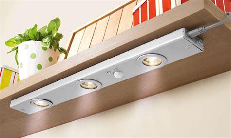 lumi鑽e sous meuble cuisine eclairage sous meuble cuisine avec interrupteur table de lit