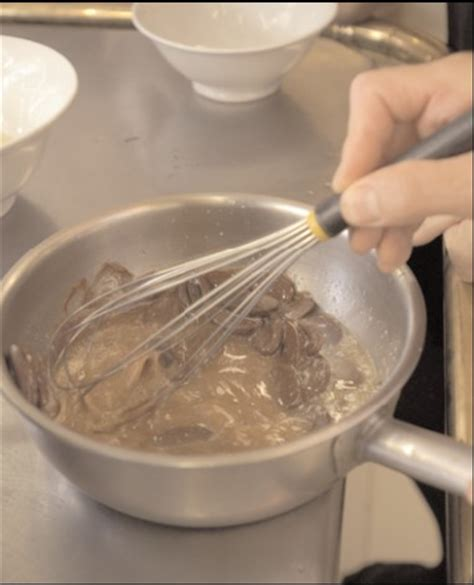 femina fr cuisine le dessert du roy avec julie andrieu et michel guérard