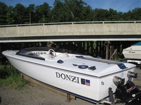 Donzi Boats For Sale 22 Classic by Donzi 22 Classic 2004 Used Boat For Sale In Lake Joseph