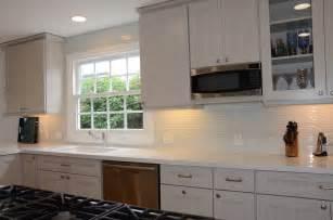 White Kitchen Glass Backsplash Tuscany Pattern White Glass Tile Shop For More Kitchen Glass Tiles At Glasstilestore