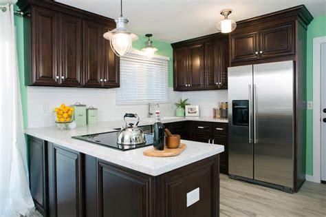kitchen makeover shows hgtv s renovation raiders hgtv 2269