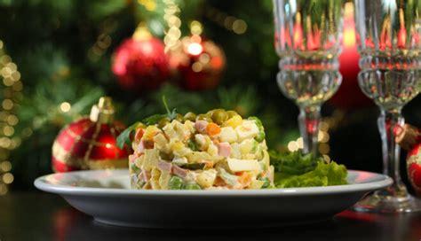 Rasols smaržo, svētki būs! Septiņas leģendāro salātu ...