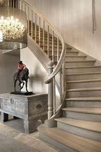 l39escalier tournant en 40 jolies photos With quelle couleur pour un escalier