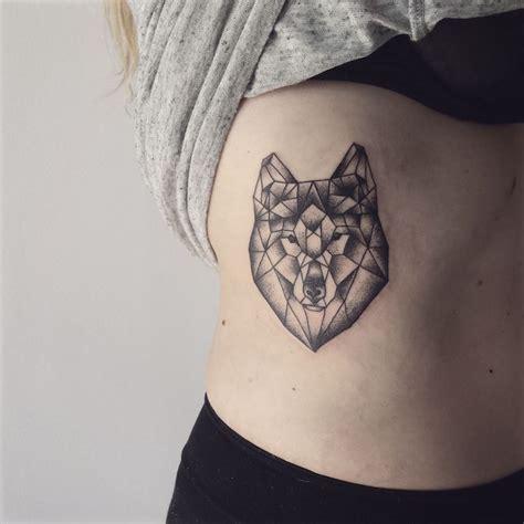 Tatouage Geometrique Femme Tatouage Loup Femme Connotations Et 40