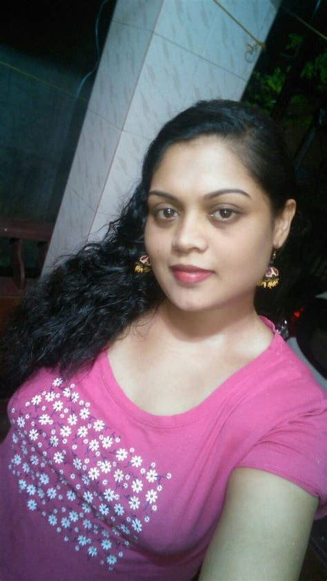 Hot Sexy Aunty Naked Boobs Show Selfies Indian Nude Girls