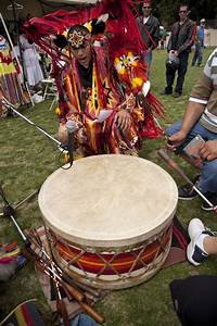 Powwow Singers | The Canadian Encyclopedia