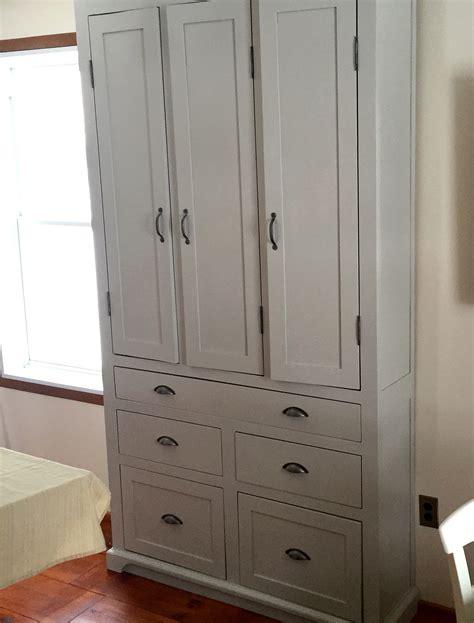 meuble garde manger cuisine garde manger en pin et peinture de lait armoire cuisine