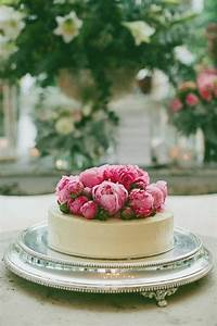 Unique Single-Layer Wedding Cakes To Spice Up Your Dessert ...