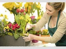Selecting a wedding florist Articles Easy Weddings