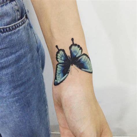 Tatouage Papillon Poignet Couleur