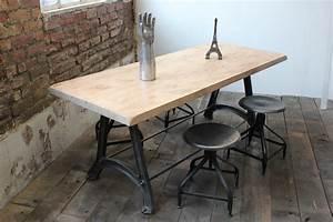 Table Industrielle Bois : ancienne table ou bureau industriel pied fonte plateau orme massif ~ Teatrodelosmanantiales.com Idées de Décoration